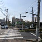 2019/09/10 11:16 JR佐倉駅前交差点 停電、信号は強風で曲がる