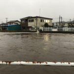 2019/10/25 16:52 雨水がどんどん高崎川に